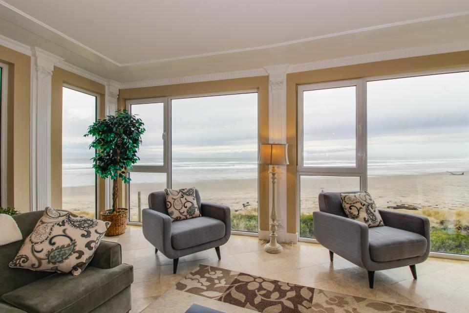 The Modern Oceanfront View Condo #203 - Rockaway Beach Vacation Rental - Photo 7