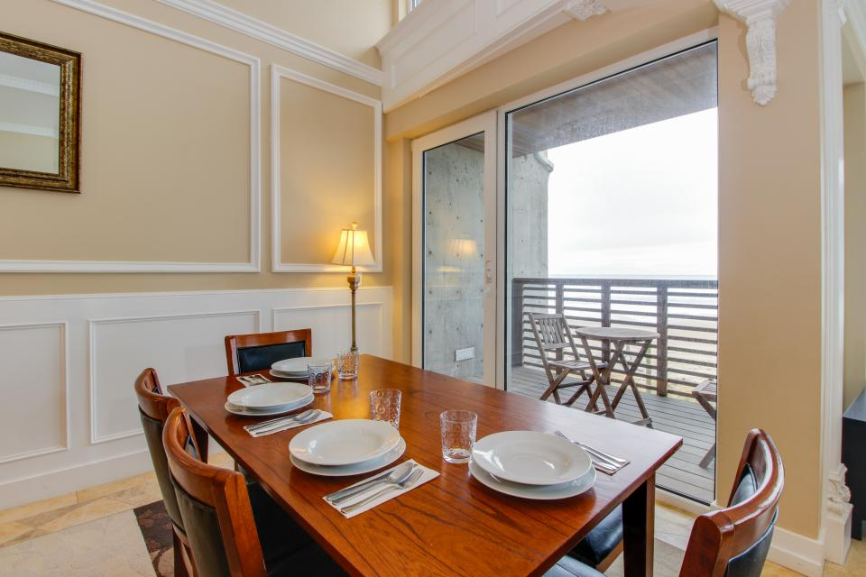 The Modern Oceanfront View Condo #203 - Rockaway Beach Vacation Rental - Photo 15