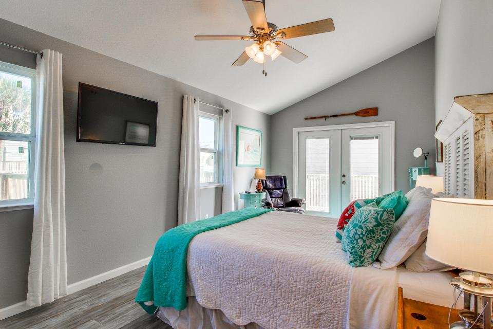 Blue Ribbon Cottage - Galveston Vacation Rental - Photo 25