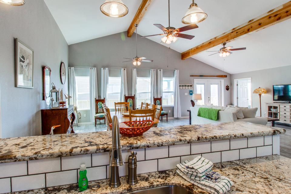 Blue Ribbon Cottage - Galveston Vacation Rental - Photo 10