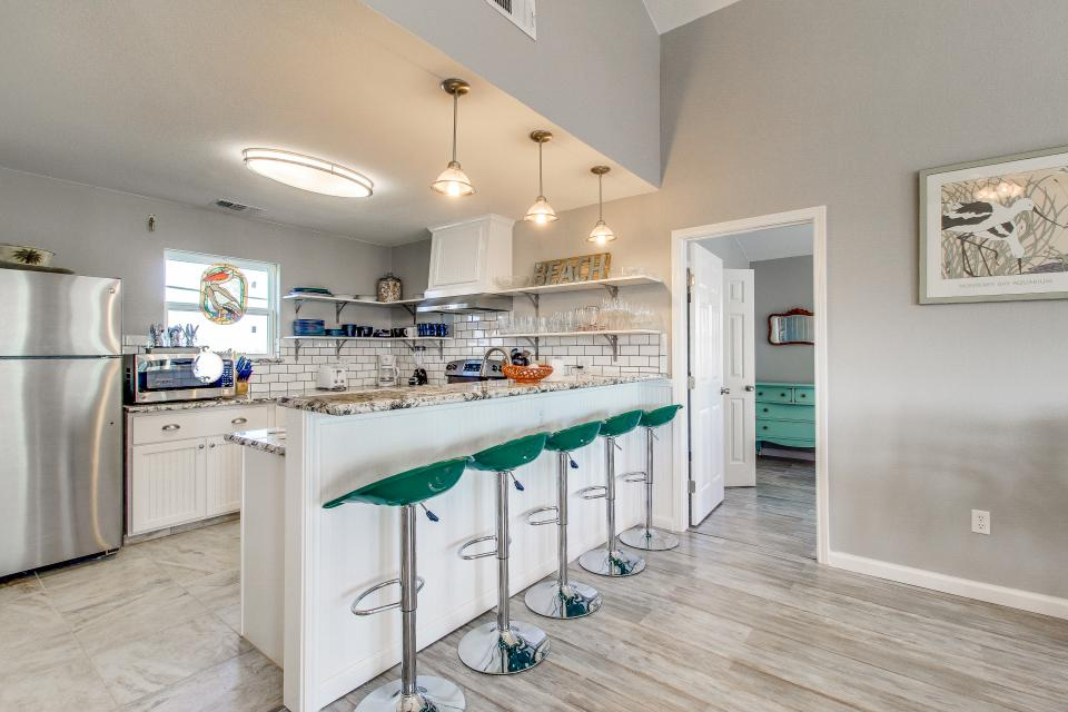 Blue Ribbon Cottage - Galveston Vacation Rental - Photo 2