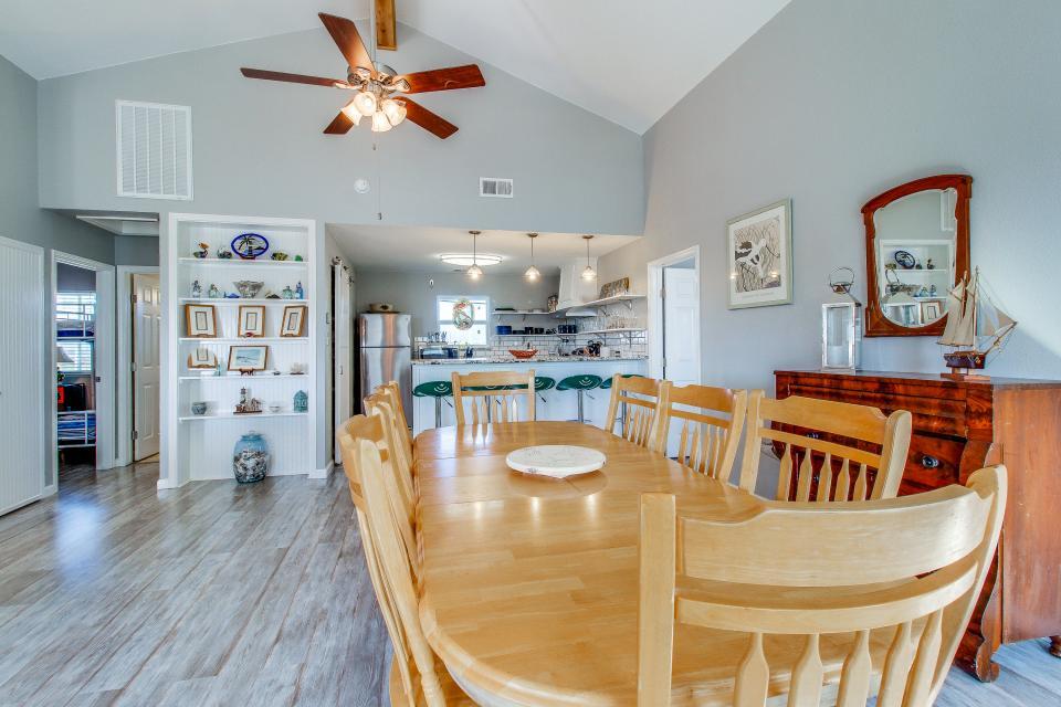 Blue Ribbon Cottage - Galveston Vacation Rental - Photo 36