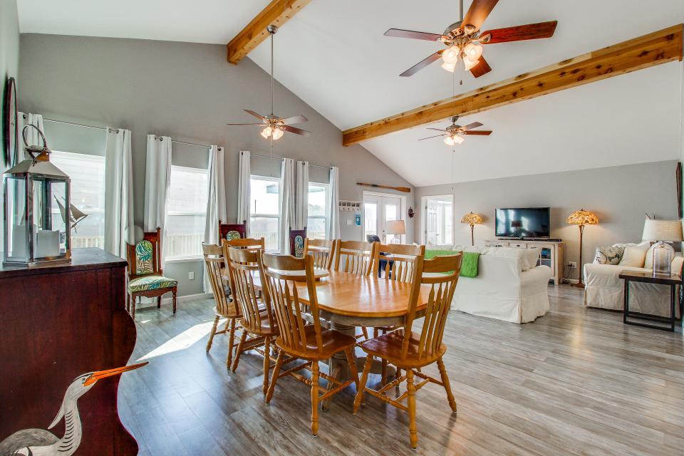 Blue Ribbon Cottage - Galveston Vacation Rental - Photo 8