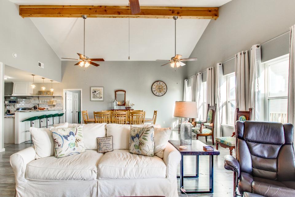 Blue Ribbon Cottage - Galveston Vacation Rental - Photo 6