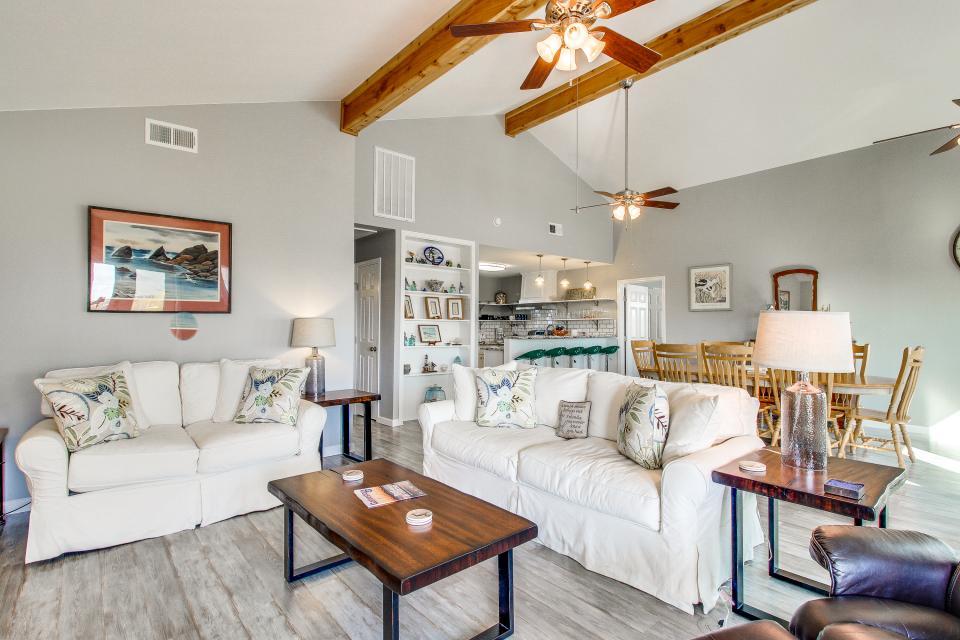 Blue Ribbon Cottage - Galveston Vacation Rental - Photo 32