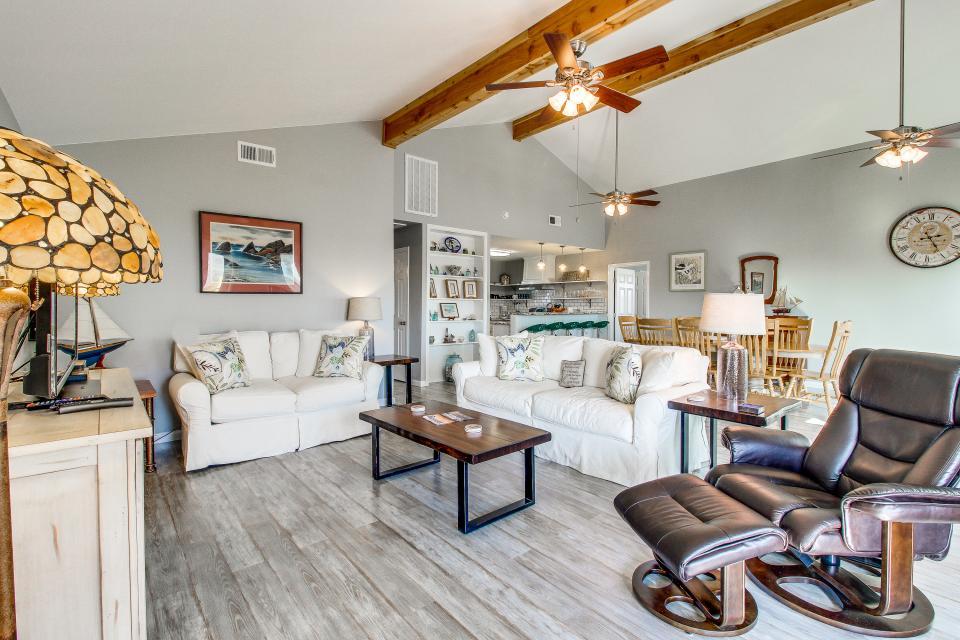 Blue Ribbon Cottage - Galveston Vacation Rental - Photo 1