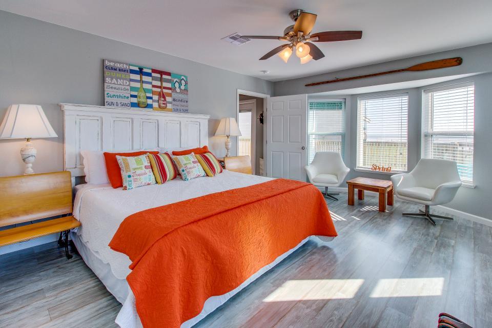 Blue Ribbon Cottage - Galveston Vacation Rental - Photo 13