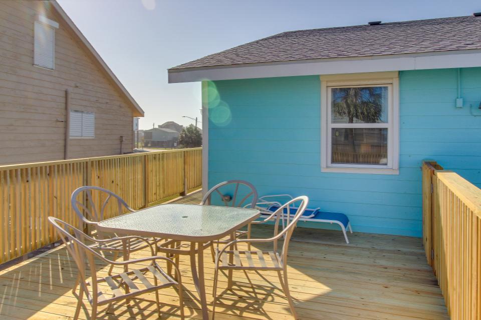 Blue Ribbon Cottage - Galveston Vacation Rental - Photo 43