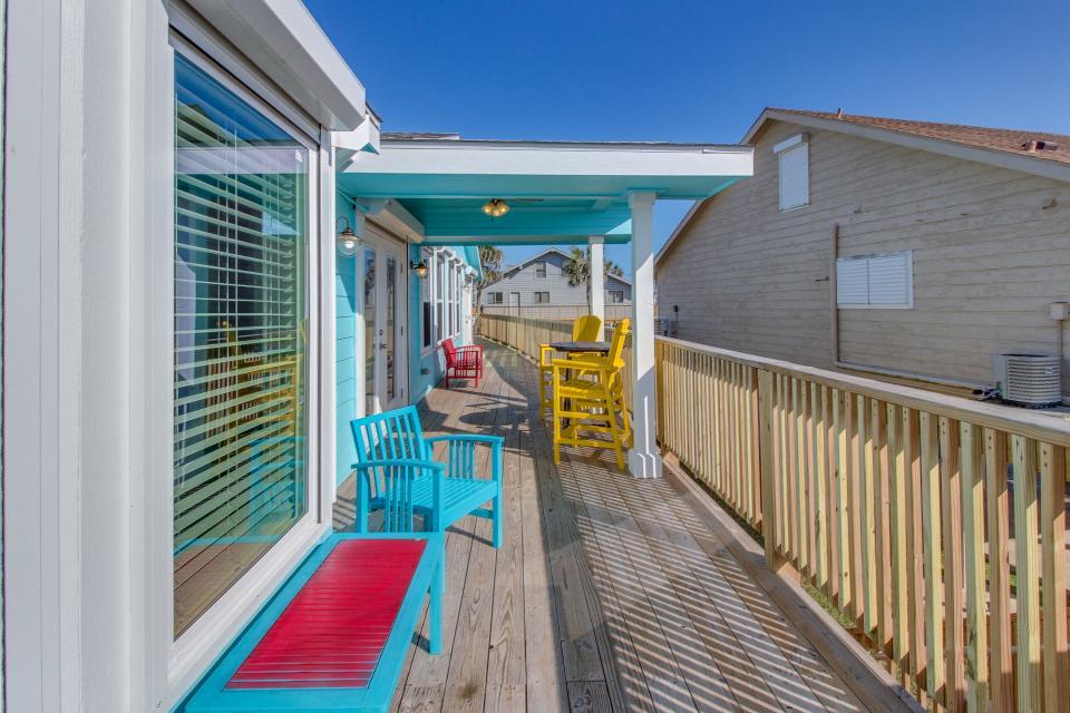 Blue Ribbon Cottage - Galveston Vacation Rental - Photo 5