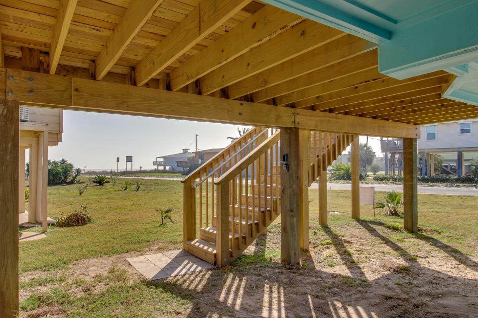 Blue Ribbon Cottage - Galveston Vacation Rental - Photo 39