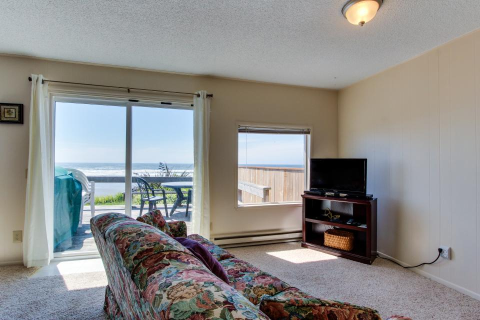 Sunset Cottage - South Beach Vacation Rental - Photo 3