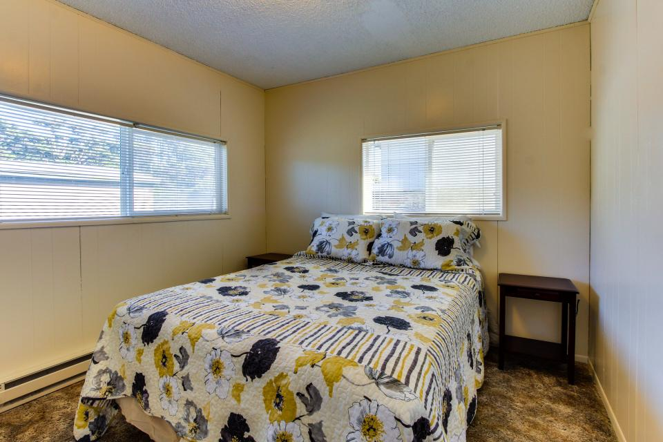 Sunset Cottage - South Beach Vacation Rental - Photo 12