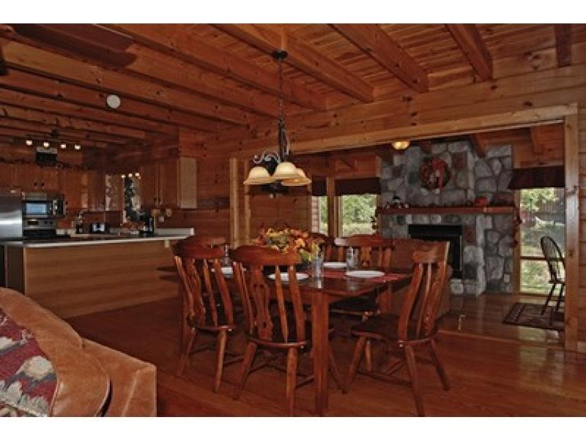 Rendez-View Cabin - Sevierville Vacation Rental - Photo 8