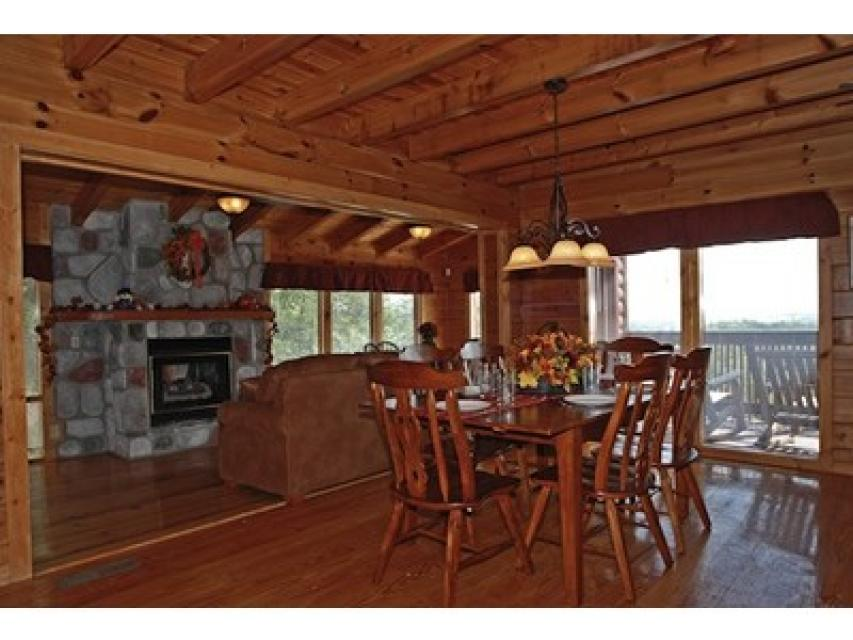 Rendez-View Cabin - Sevierville Vacation Rental - Photo 9