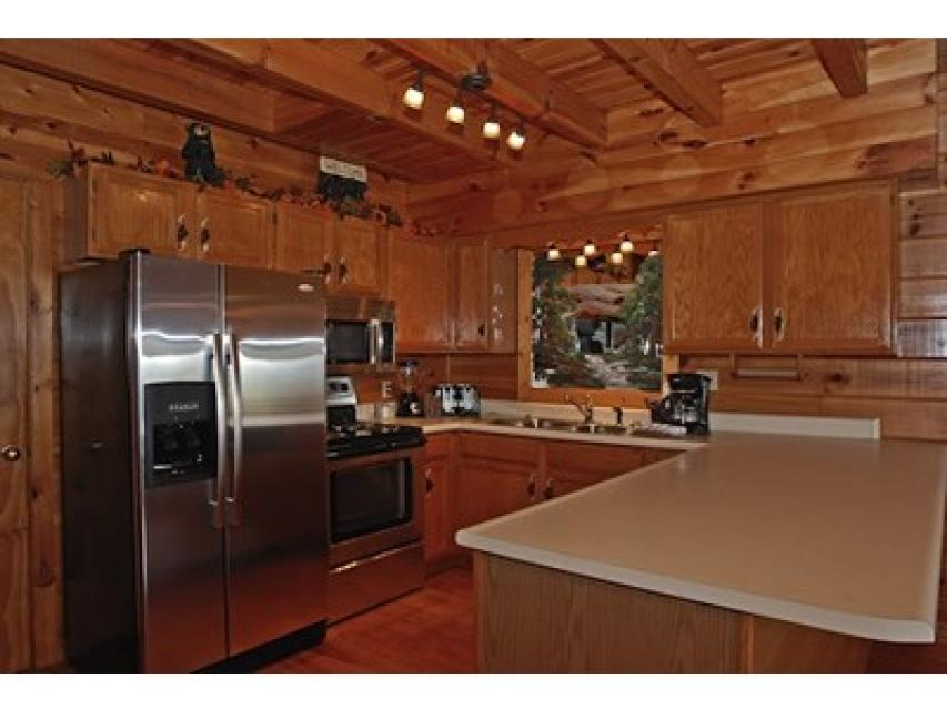 Rendez-View Cabin - Sevierville Vacation Rental - Photo 6