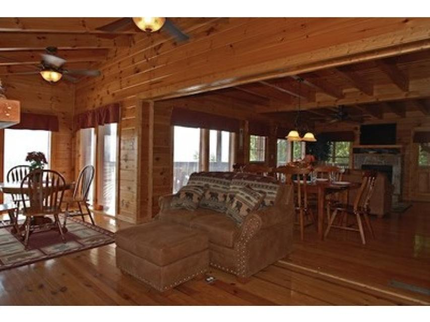 Rendez-View Cabin - Sevierville Vacation Rental - Photo 5