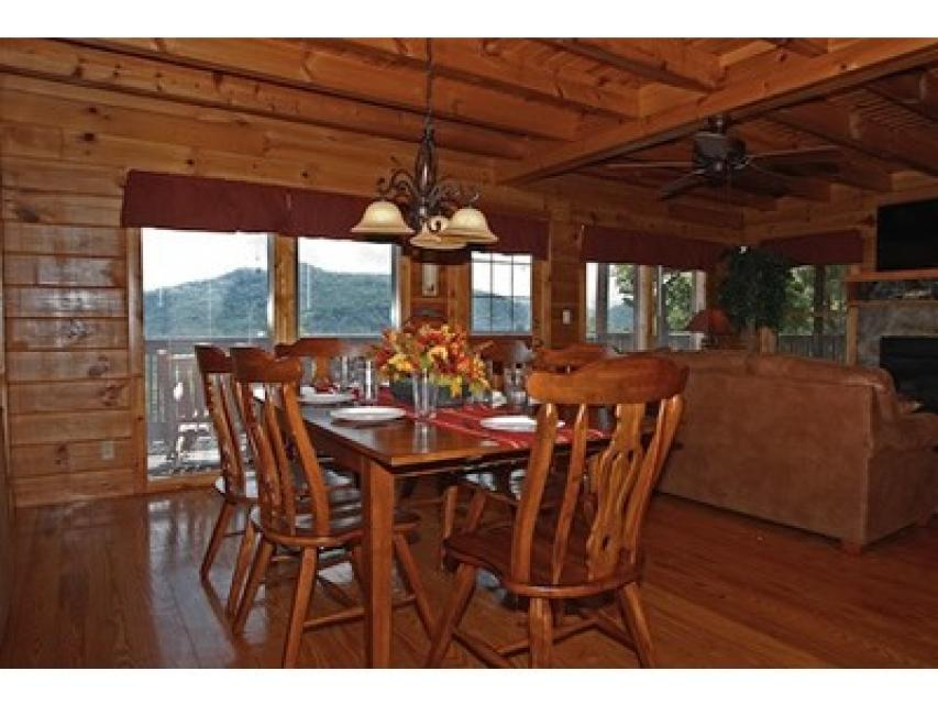 Rendez-View Cabin - Sevierville Vacation Rental - Photo 7