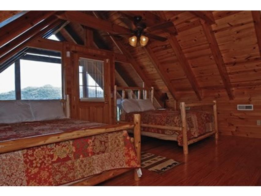 Rendez-View Cabin - Sevierville Vacation Rental - Photo 11