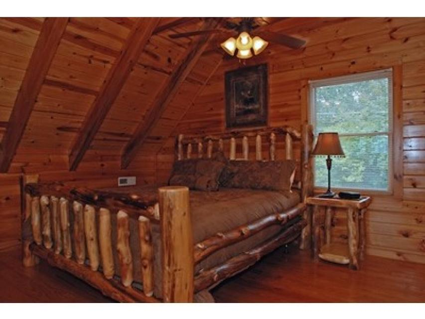 Rendez-View Cabin - Sevierville Vacation Rental - Photo 12