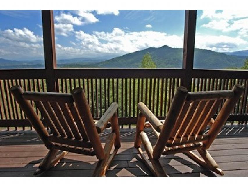 Rendez-View Cabin - Sevierville Vacation Rental - Photo 14