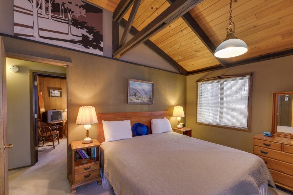 Cozy Jay Cabin - Sunriver Vacation Rental - Photo 14
