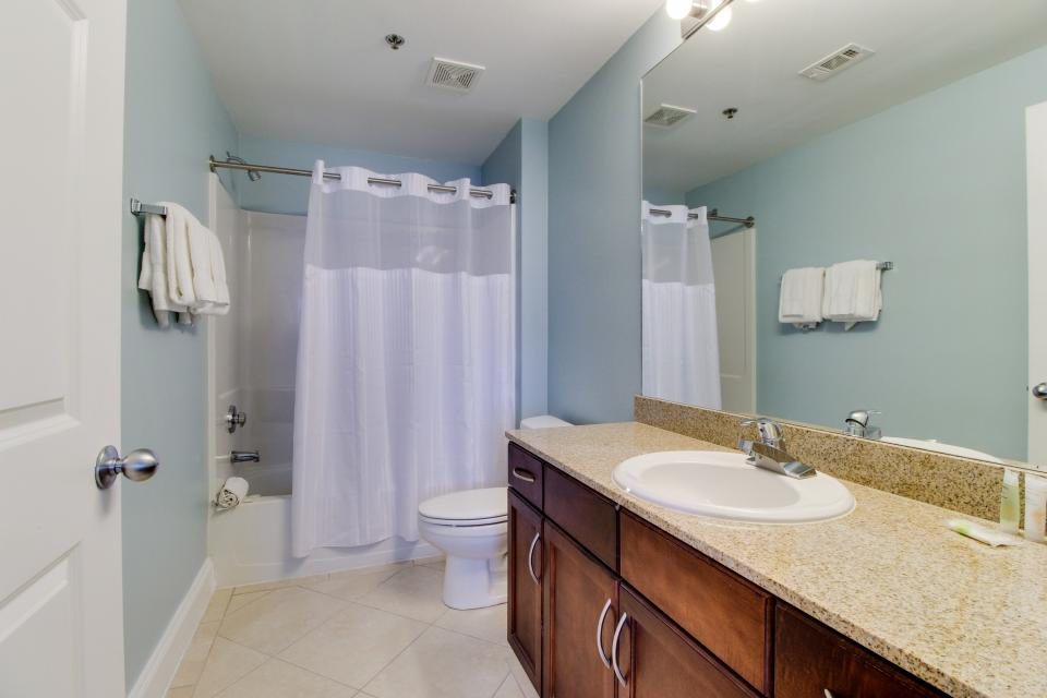 Laketown Wharf #1404 - Panama City Beach Vacation Rental - Photo 16