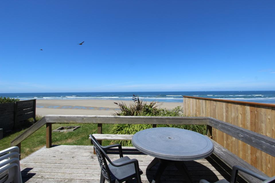 Sunset Cottage - South Beach Vacation Rental - Photo 18