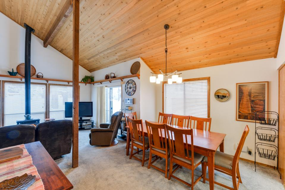 13 Tamarack - Sunriver - Take a Virtual Tour