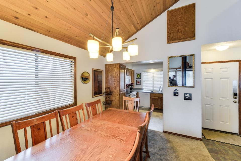 13 Tamarack - Sunriver Vacation Rental - Photo 9