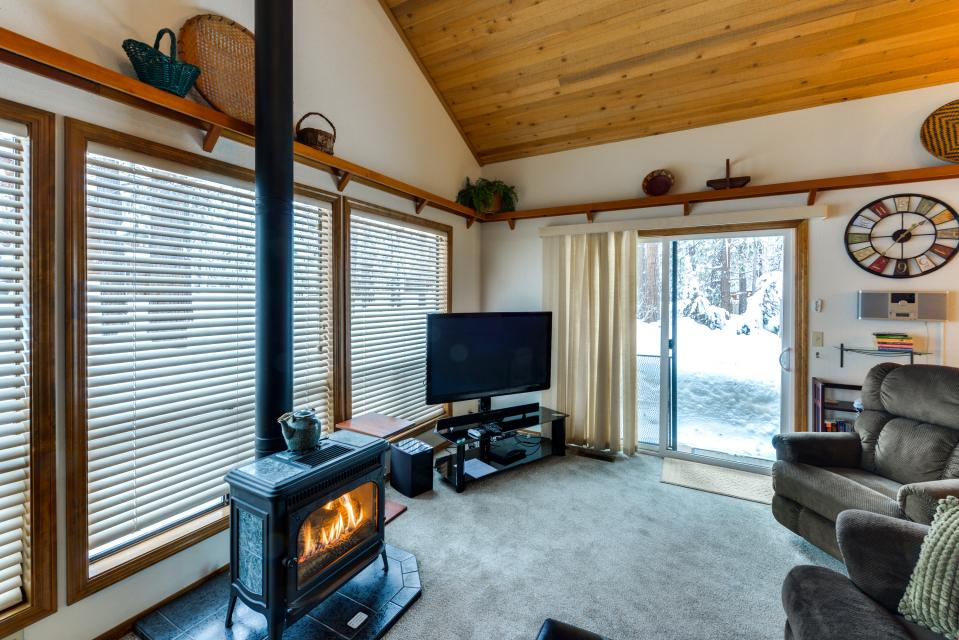 13 Tamarack - Sunriver Vacation Rental - Photo 12