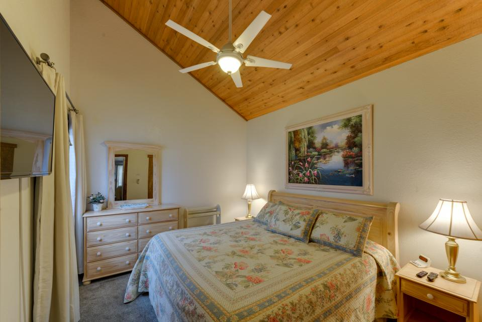 13 Tamarack - Sunriver Vacation Rental - Photo 3