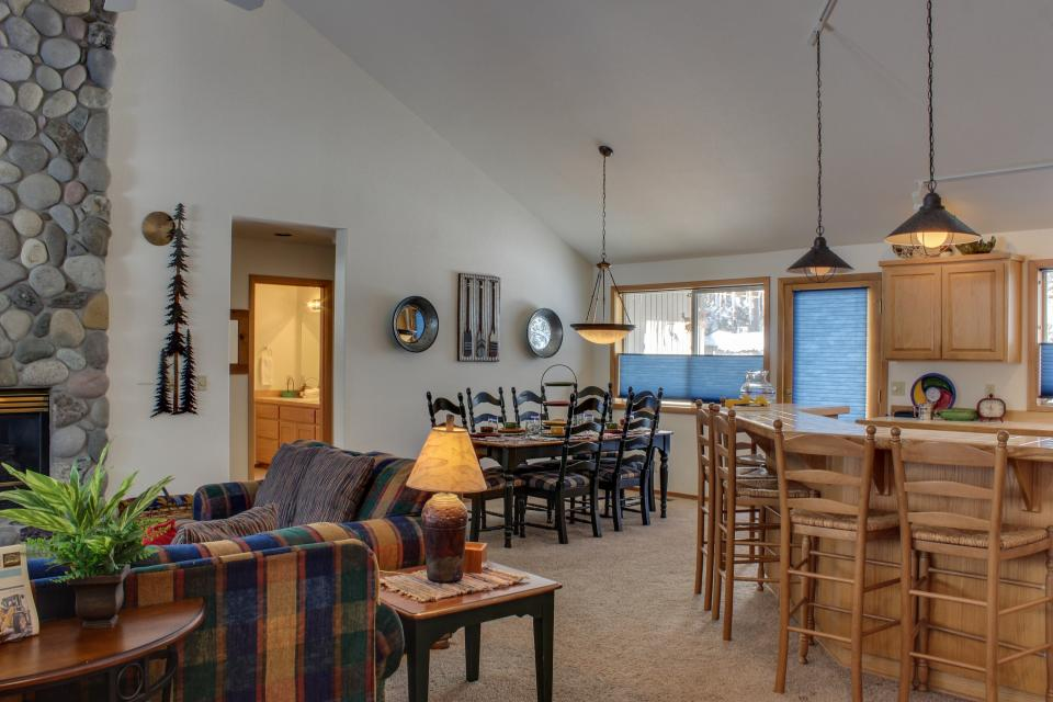 39 Poplar - Sunriver Vacation Rental - Photo 33