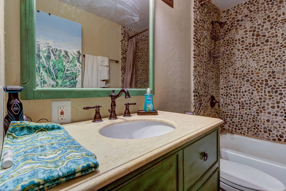 Snow Country Hideaway - Park City Vacation Rental - Photo 11