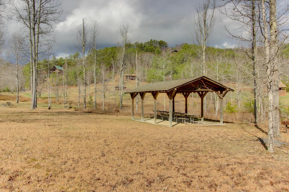 Red Wolf Lodge - Sevierville Vacation Rental - Photo 44
