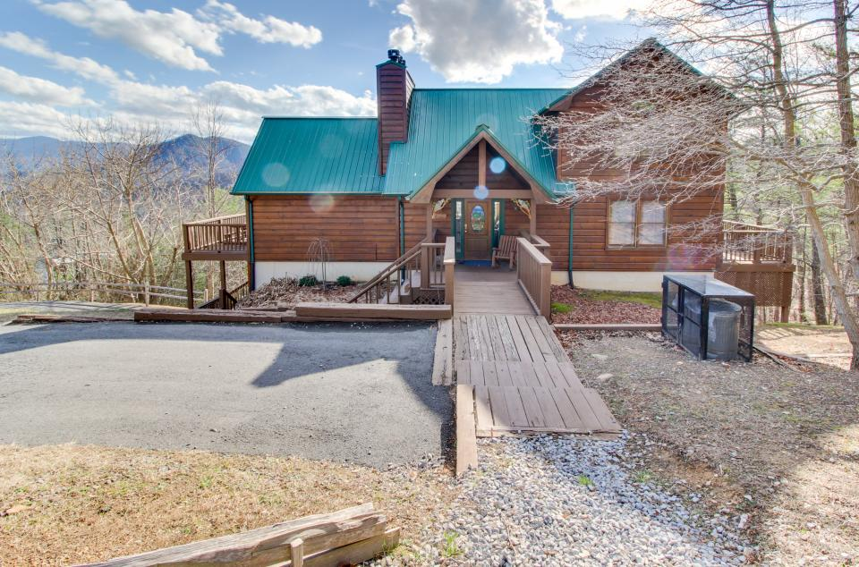Red Wolf Lodge - Sevierville Vacation Rental - Photo 41
