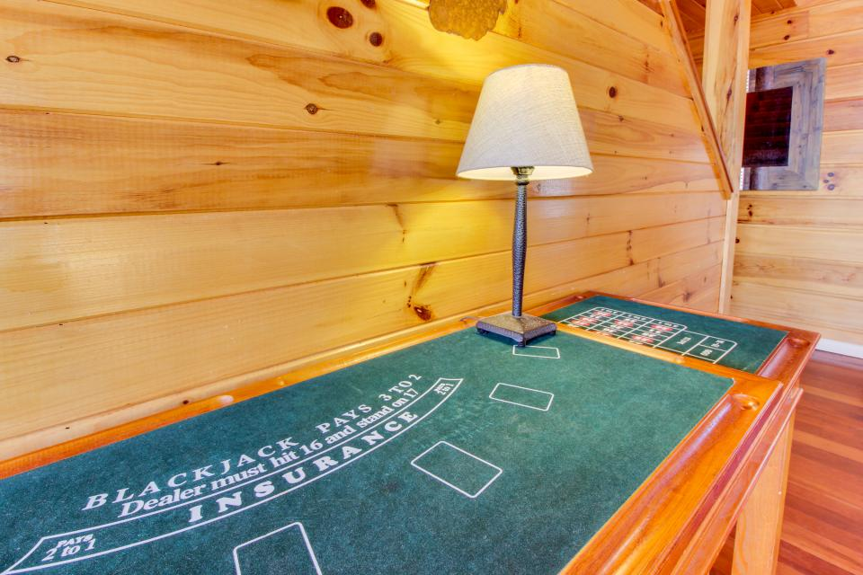 Red Wolf Lodge - Sevierville Vacation Rental - Photo 15