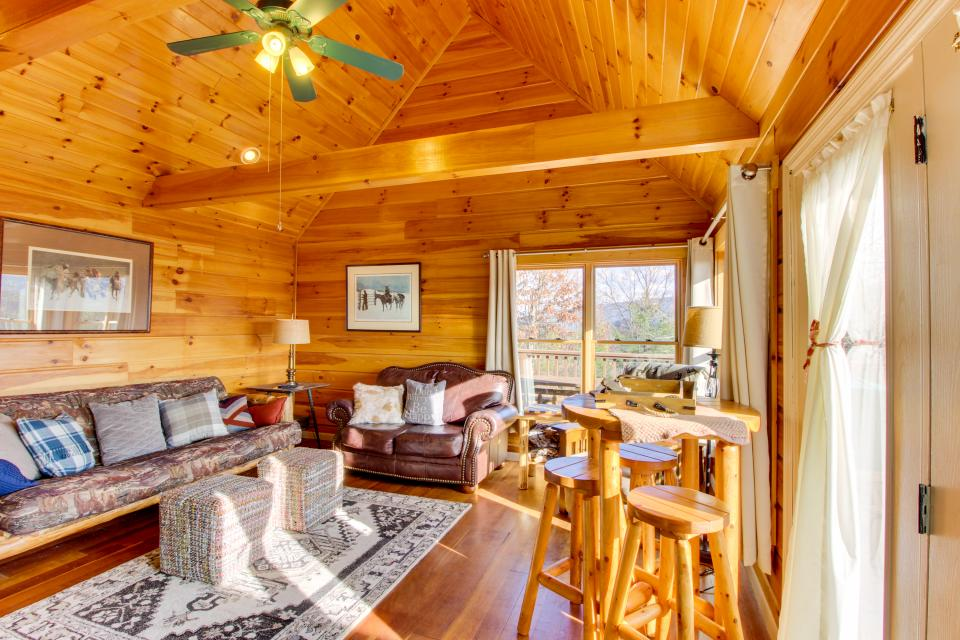 Red Wolf Lodge - Sevierville Vacation Rental - Photo 8