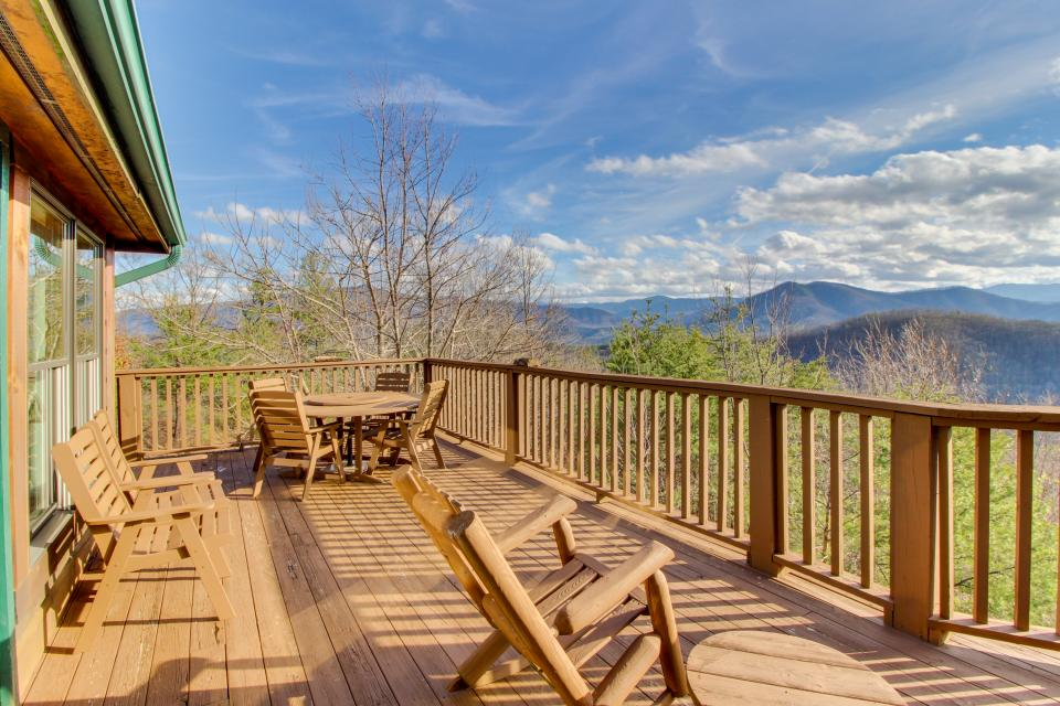 Red Wolf Lodge - Sevierville Vacation Rental - Photo 39