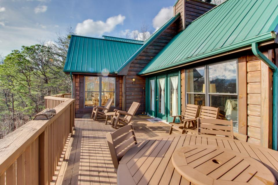 Red Wolf Lodge - Sevierville Vacation Rental - Photo 18
