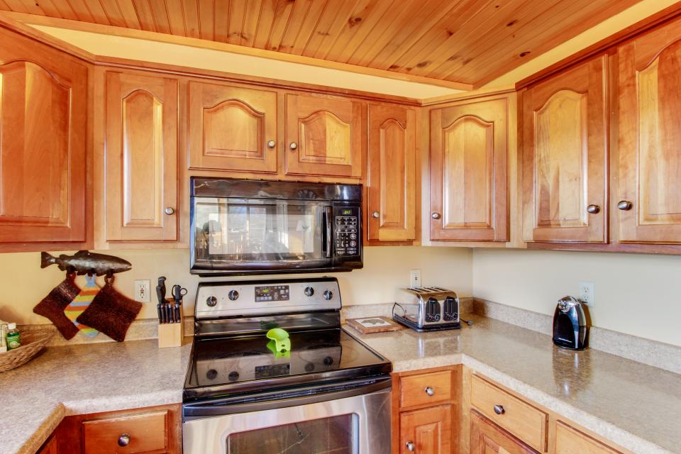 Red Wolf Lodge - Sevierville Vacation Rental - Photo 14
