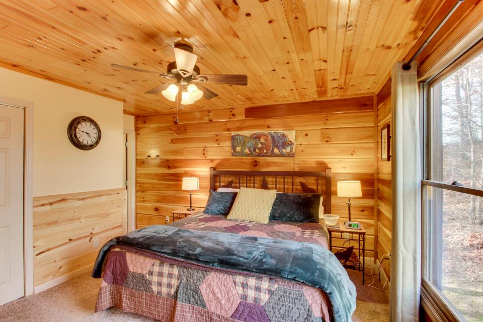 Red Wolf Lodge - Sevierville Vacation Rental - Photo 27