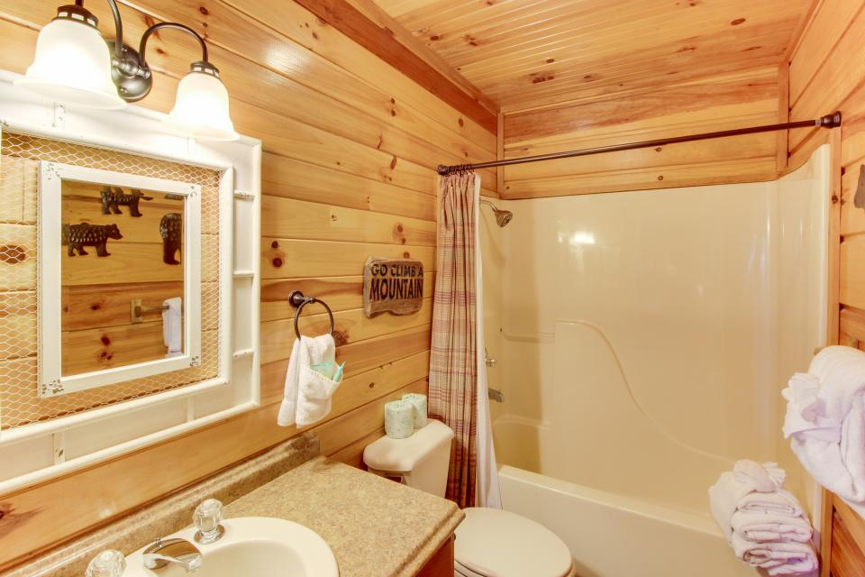 Red Wolf Lodge - Sevierville Vacation Rental - Photo 29