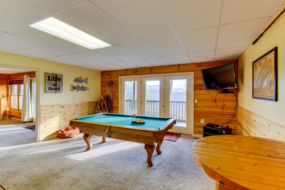 Red Wolf Lodge - Sevierville Vacation Rental - Photo 35
