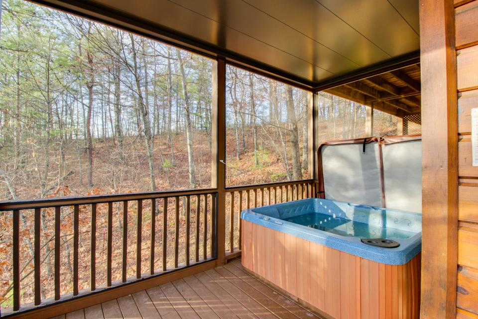 Red Wolf Lodge - Sevierville Vacation Rental - Photo 4