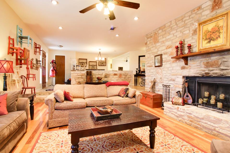 Exceptional ... Whitetail Ridge Retreat   Dripping Springs Vacation Rental   Photo 3 ...