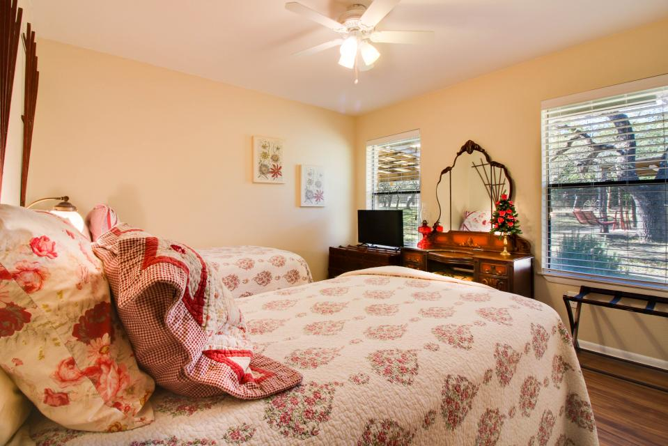 ... Whitetail Ridge Retreat   Dripping Springs Vacation Rental   Photo 6 ...