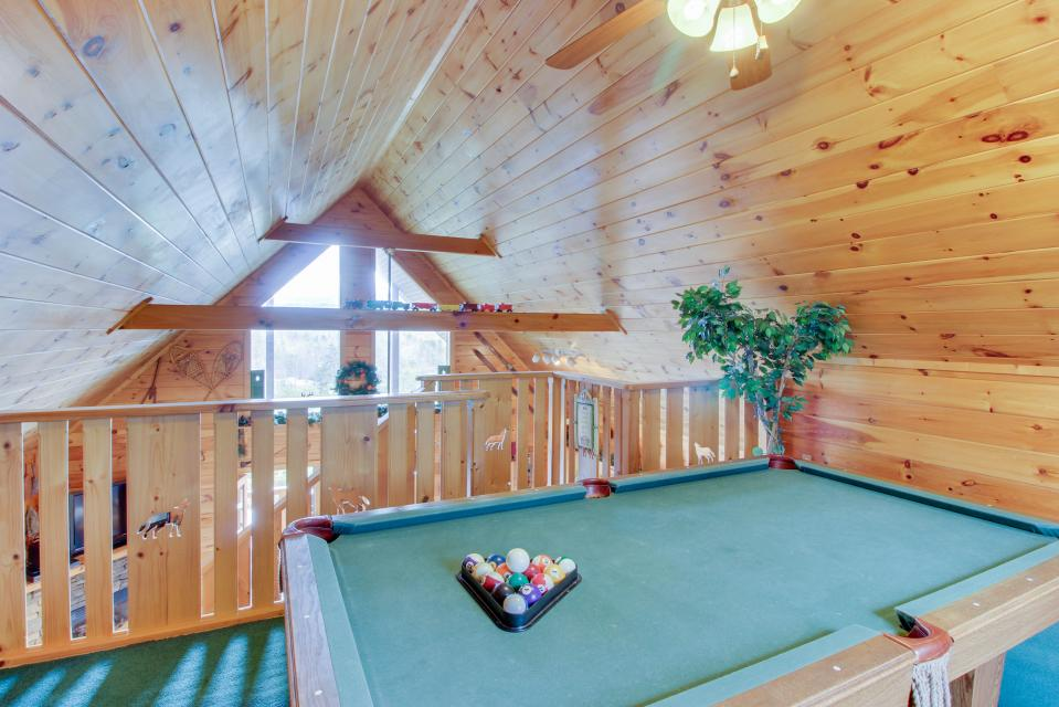 Awesome View Cabin - Sevierville Vacation Rental - Photo 34