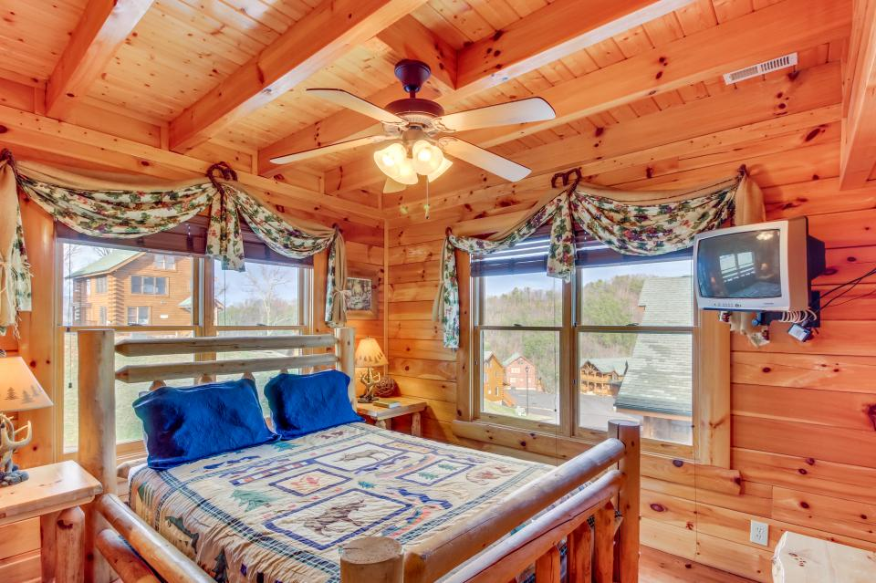 Martin's Retreat - Sevierville Vacation Rental - Photo 17
