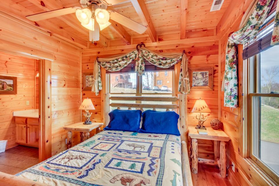 Martin's Retreat - Sevierville Vacation Rental - Photo 18