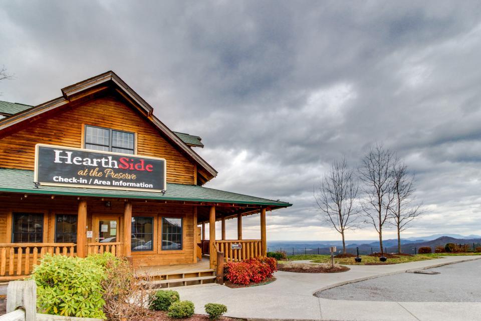 BearSlide Inn - Sevierville Vacation Rental - Photo 38